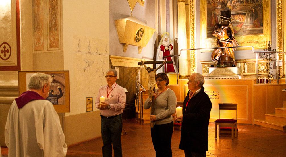 Cofradia Columna Zaragoza – Via Crucis Parroquia 1