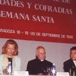 Mesa inaugural del Encuentro Nacional ( Sr. Arzobispo. Presidente de la Diputación Provincial de Aragón. Sra. Alcaldesa. Delegado Diocesano de Cofradías. Presidente del Encuentro