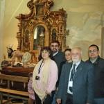 los hermanos de nuestra cofradía junto a la imagen del Cristo del Mayor Dolor