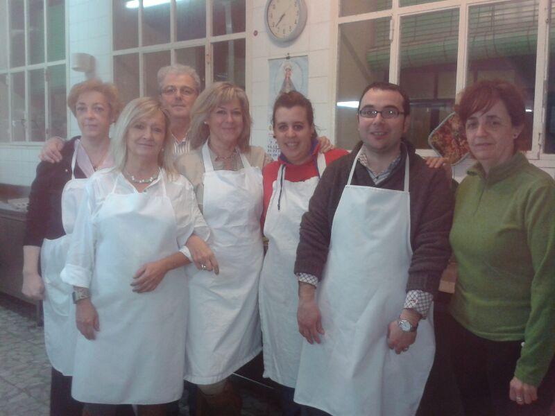 Cofradia Columna Zgz – Colaboracion Con El Refugio 2013 (5)