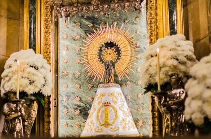 La Virgen Del Pilar Lucirá El Día 11 De Enero El Manto De La Cofradía