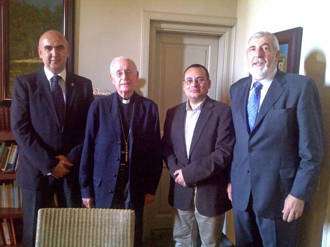 Bendición Del Paso De La Virgen Por El Cardenal Ricardo Mª Carles Gordó